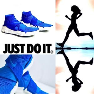 Last SALE NWT Nike Free Motion Fly Knit Blue Run
